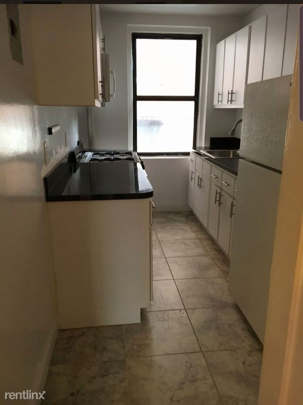 82-15 Britton Ave 4D, Elmhurst, NY - $1,850