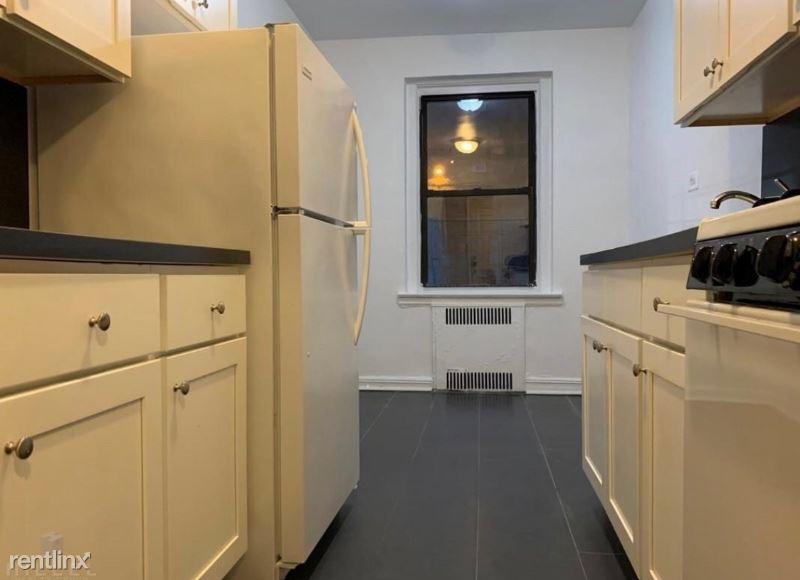 84-49 Elmhurst Ave 6B, Elmhurst, NY - $1,650
