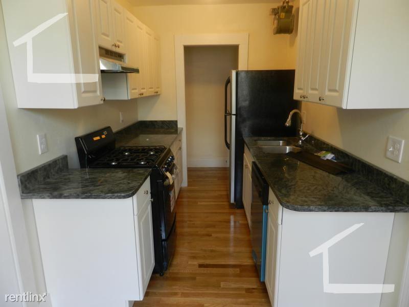 28 Quint Ave Apt 21D, Allston, MA - $2,550