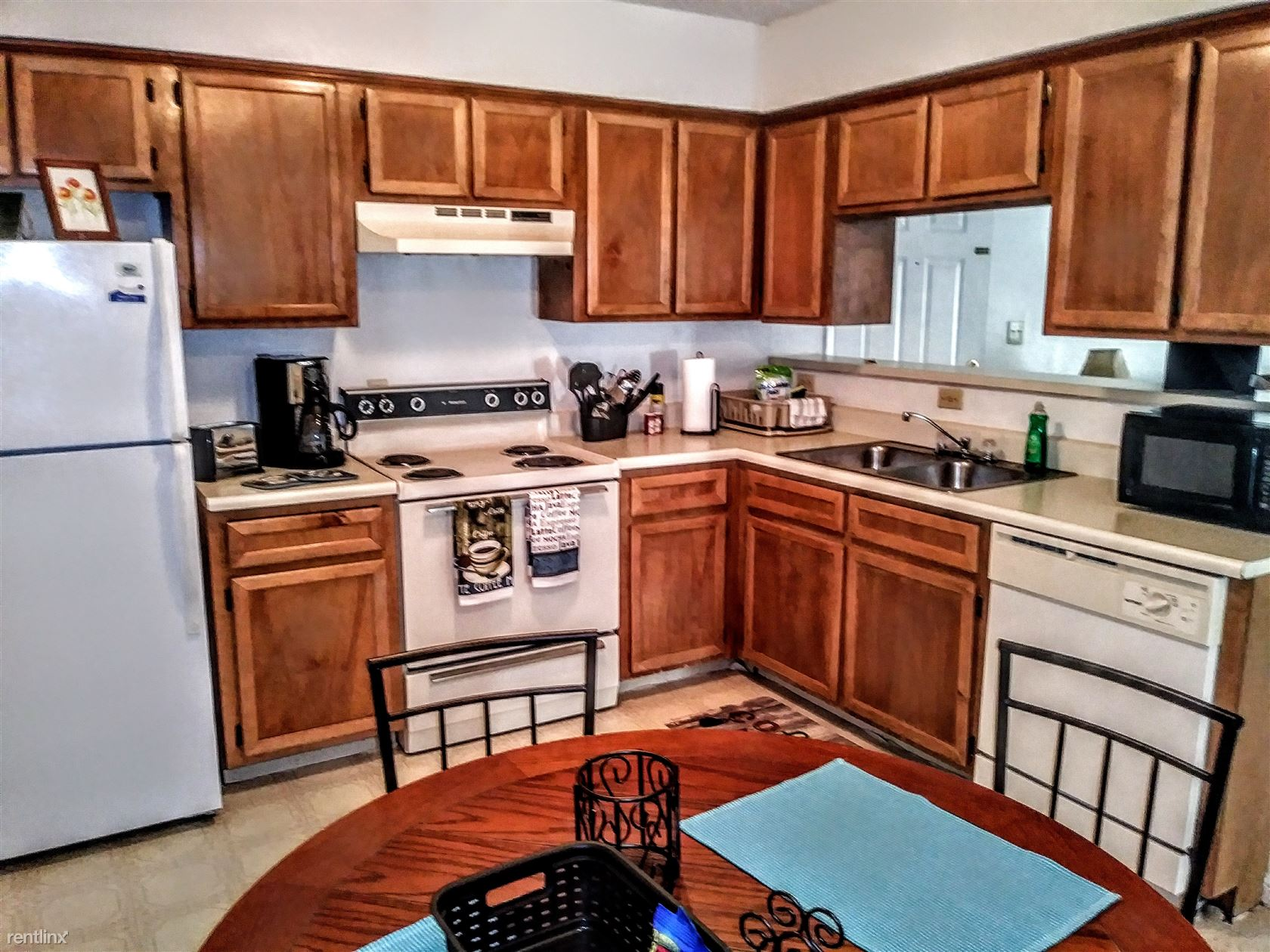 220 Ridgecrest Dr Apt 145, Elk City, OK - $530