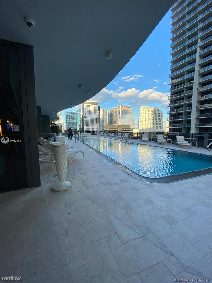 1000 Brickell Plz Unit 4914, Miami, FL - $3,475