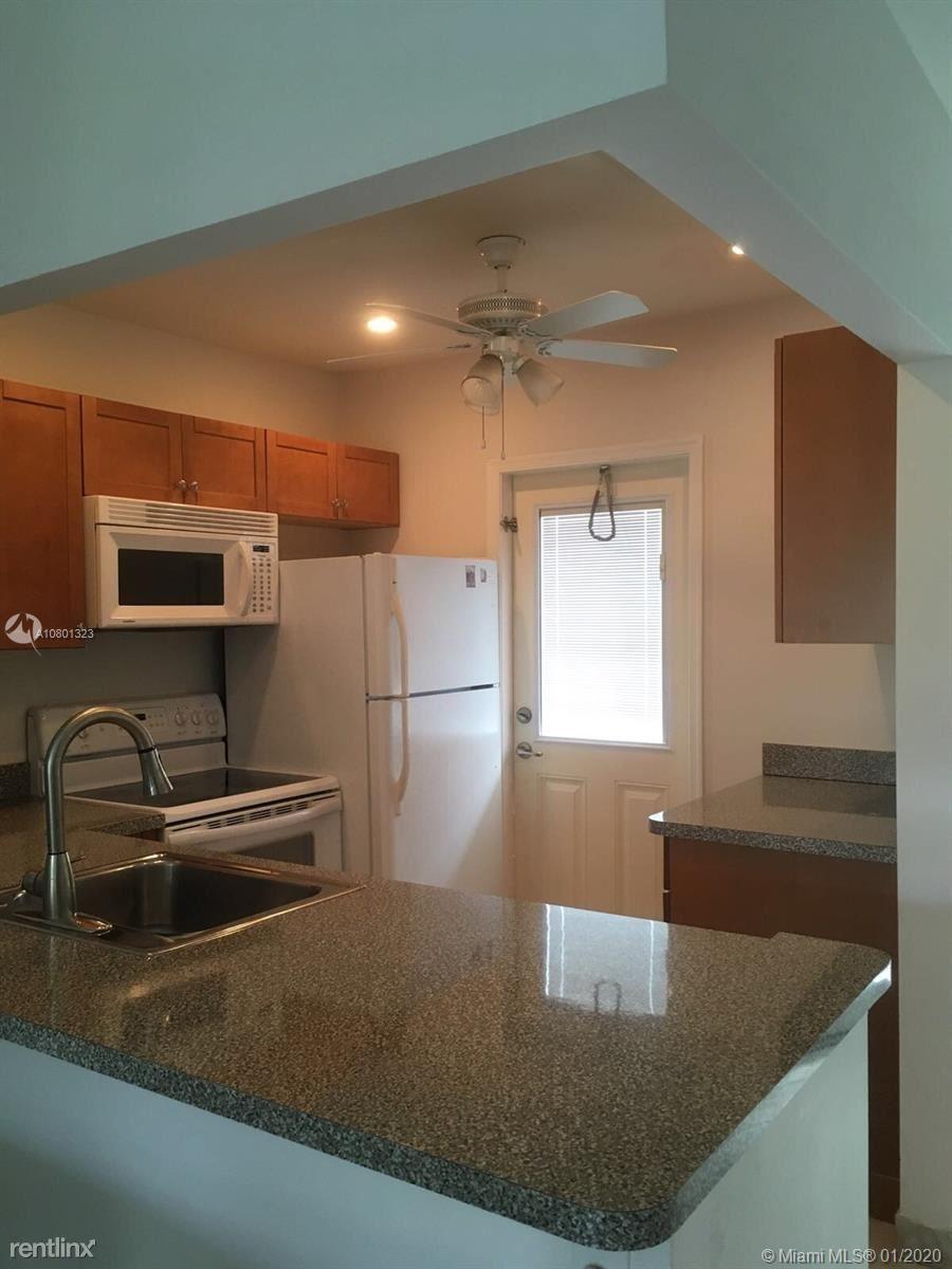 5103 NW 35th St Apt 503, Lauderdale Lakes, FL - $1,300