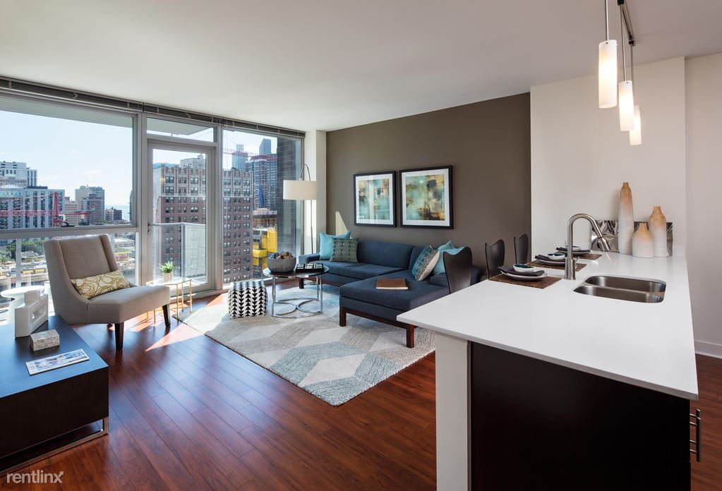 Wells at Division, Chicago, IL - $4,425