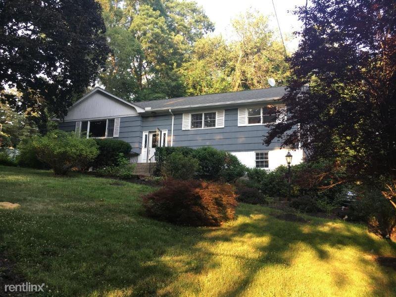 58 Quakerbridge Rd, Ossining, NY - $3,500