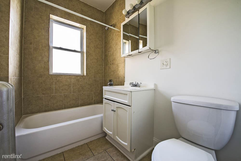 7926 S Evans Ave, Chicago, IL - $895 USD/ month