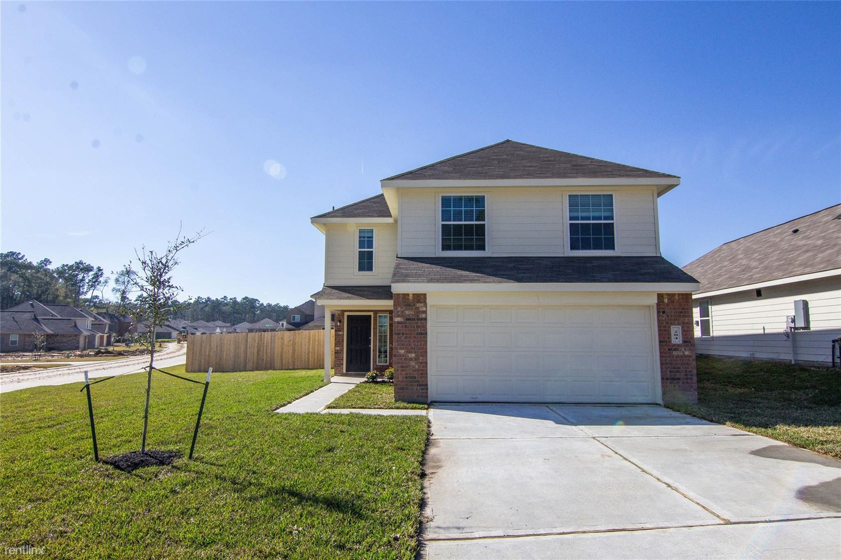 204 Spring Meadows Cir, Willis, TX - $1,725
