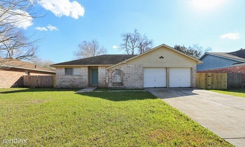 5418 Thistle Dr, Dickinson, TX - $1,549