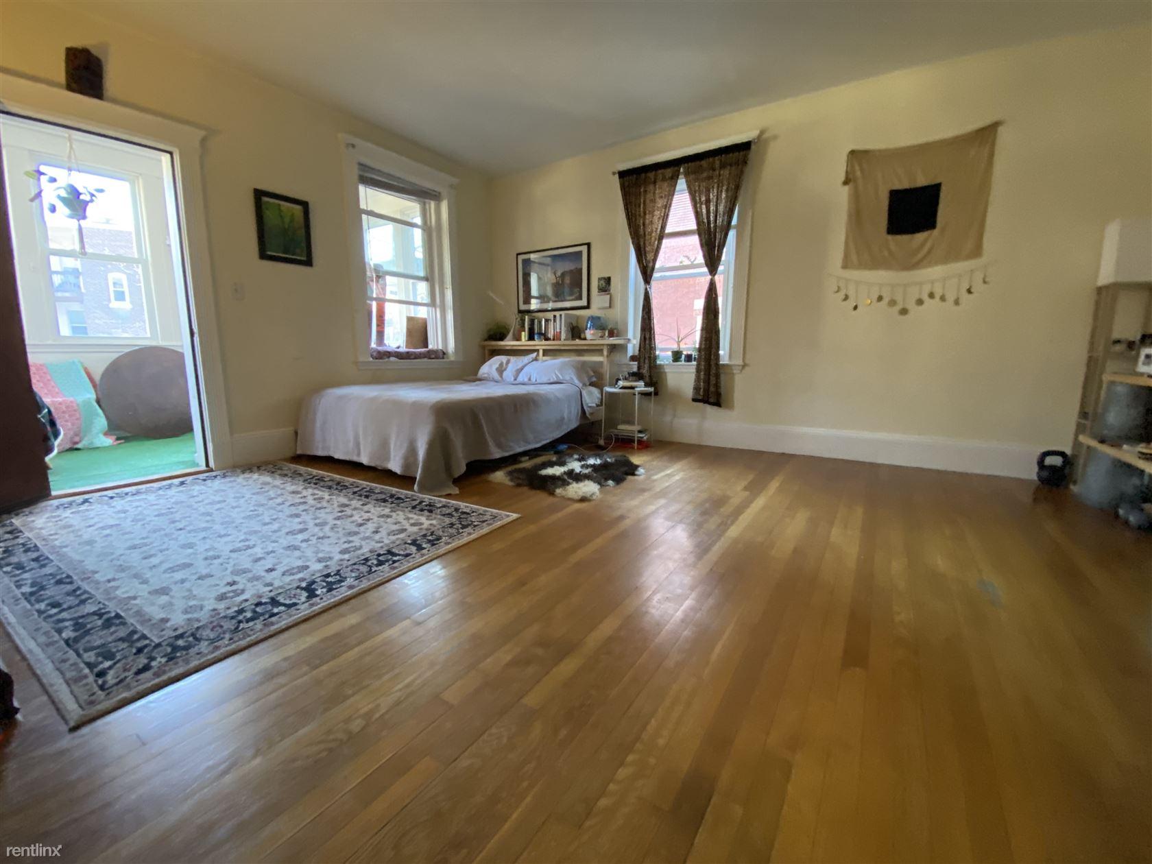 11 Englewood Ave, Brookline, MA - $2,650