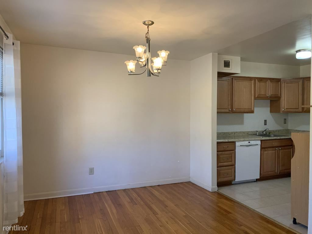 95 E Wayne Ave Unit 304, Silver Spring, MD - $1,300