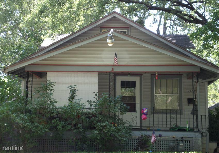 1208 SW Medford Ave, Topeka, KS - $975