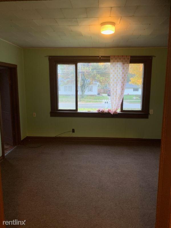 402 S Adams St #4, Mount Pleasant, MI - $500