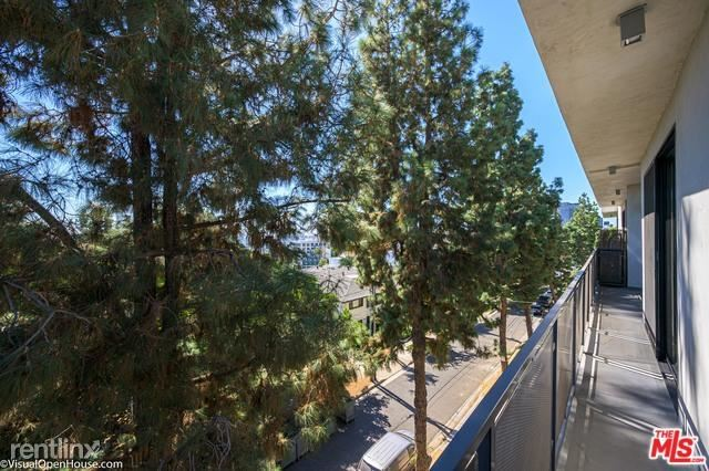8755 Shoreham Dr Apt 403, West Hollywood, CA - $8,495
