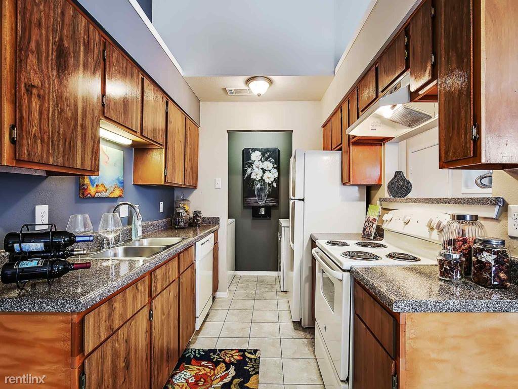 1737 E Frankford Rd, Carrollton, TX - $1,602