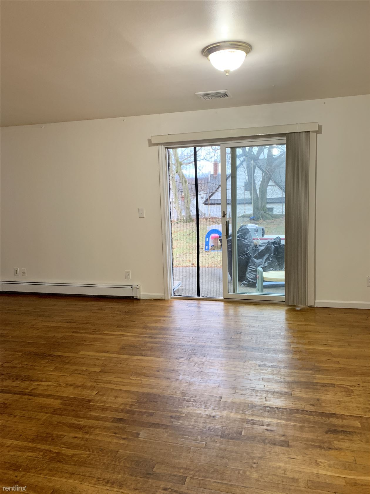 North Broadway and Roberts Ave, Yonkers, NY - $2,600