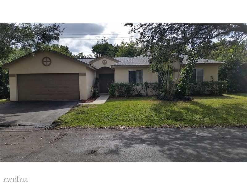 4826 NW 14th St, Coconut Creek, FL - $2,300