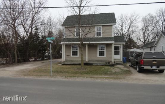 301 S East St # 1, Fenton, MI - $1,300