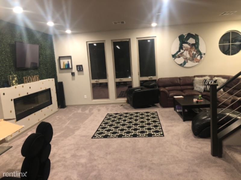 8104 Haywood Estate Ave, Las Vegas, NV - $675