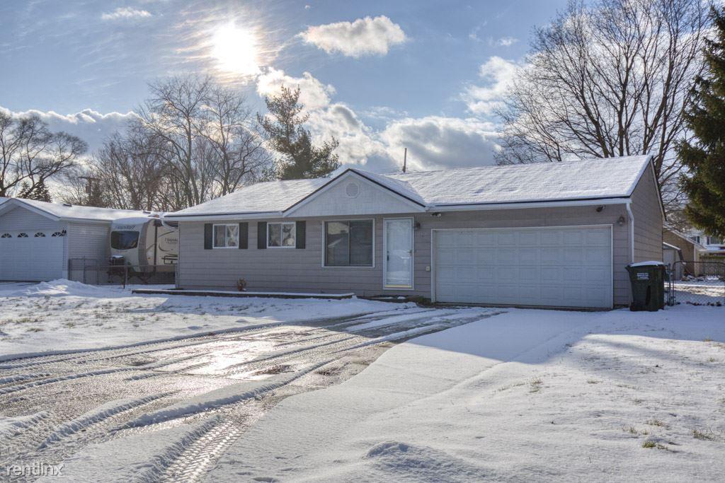2408 Eastern Ave, Rochester Hills, MI - $1,400