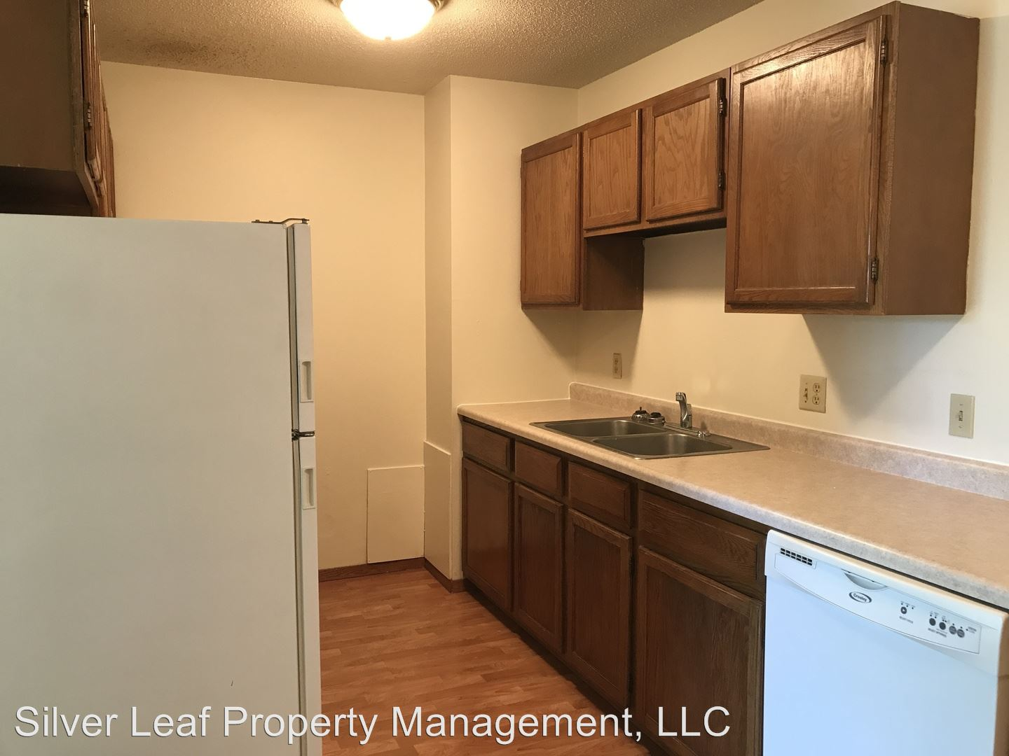 402, 408 5th Ave E, West Fargo, ND - $550