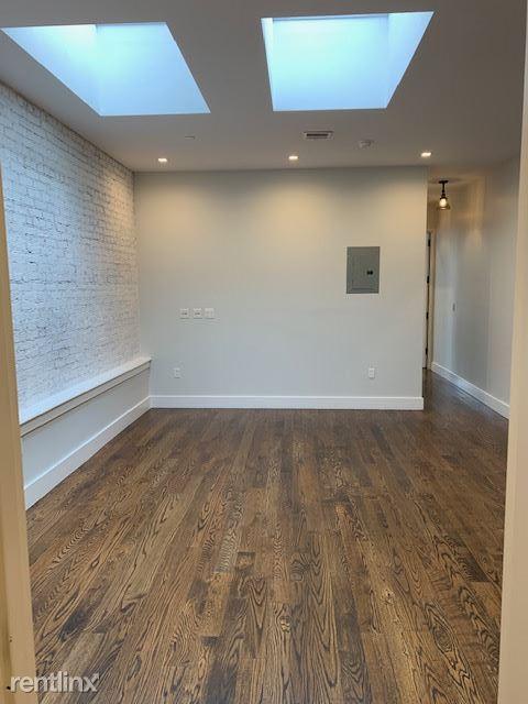 6013 Myrtle Ave, Ridgewood, NY - $950
