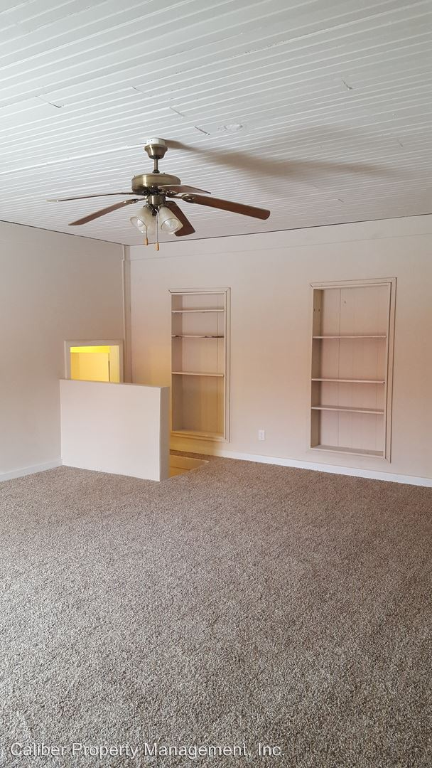 232 NW 5th St., Richmond, IN - $400