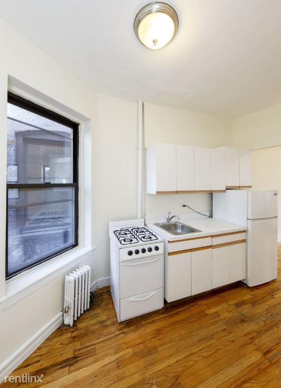 1382 1st Ave 18, New York, NY - $2,475
