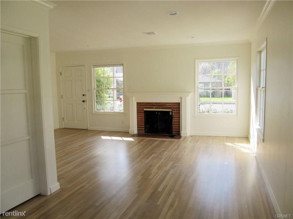 16607 Gilmore St, Lake Balboa, CA - $3,000