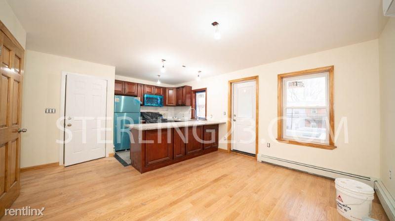 21-38 37th St 2, Astoria, NY - $2,450