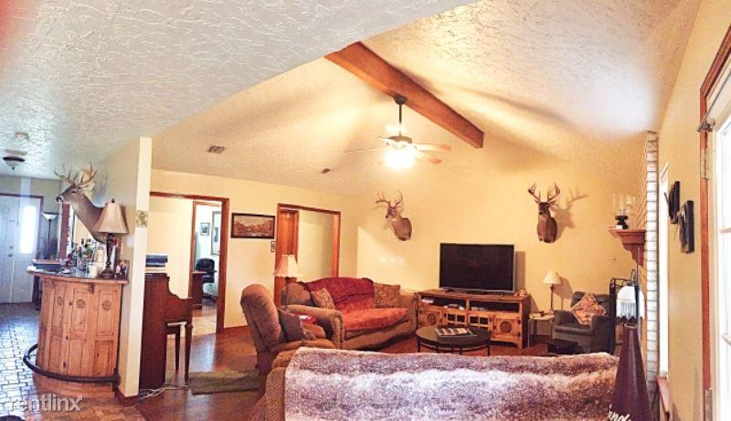 109 Whitetail Holw, Seguin, TX - $1,495