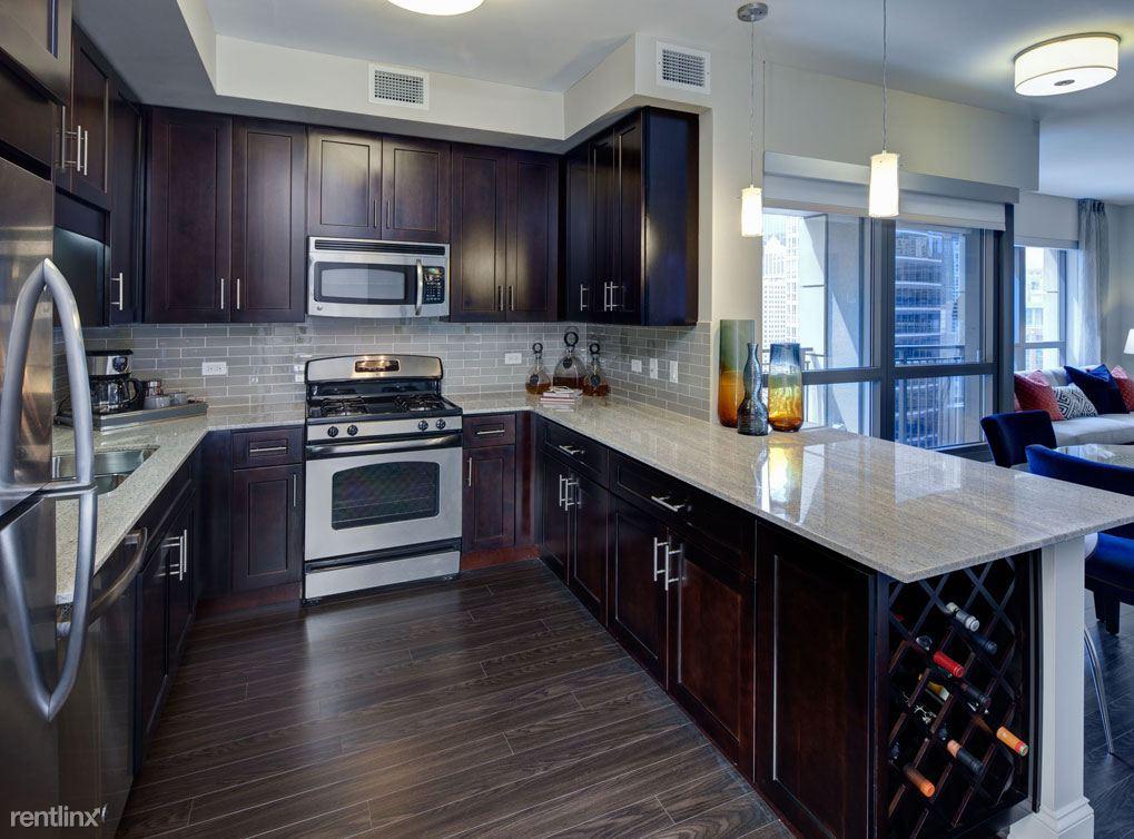 71 W Hubbard St, Chicago, IL - $6,500
