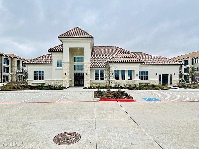 2100 Kilgore Road, Baytown, TX - $1,255