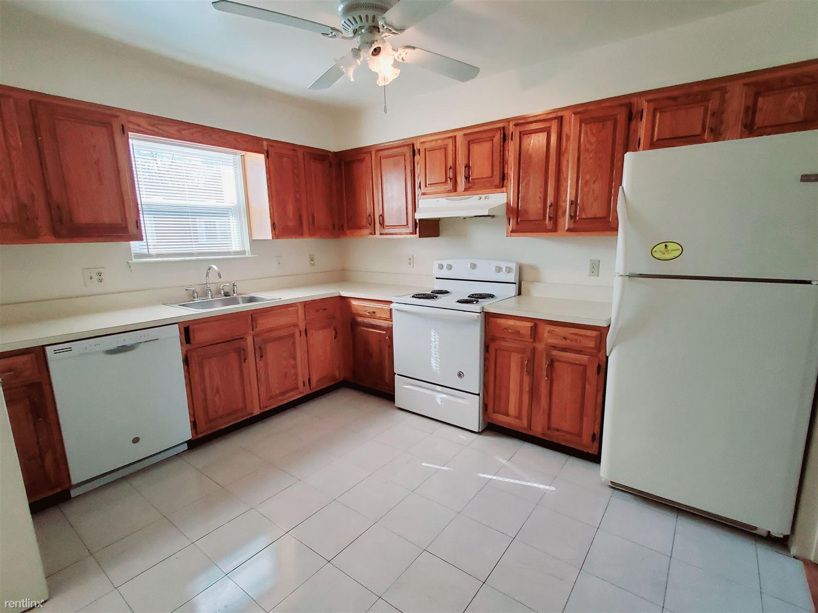 Windsor Rd, Stamford, CT - $2,500