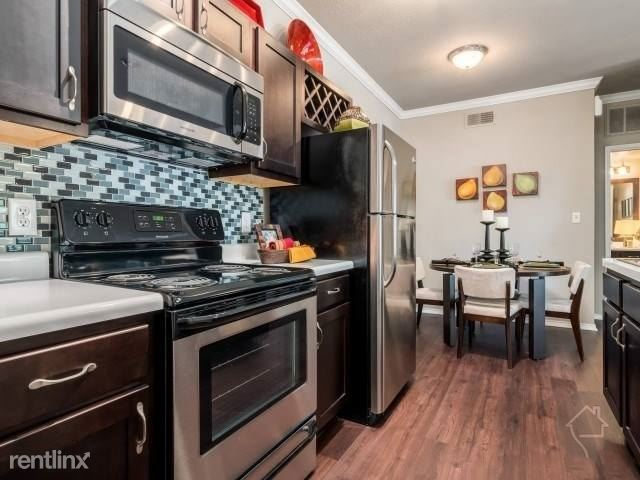 9425 Rolater Rd, Frisco, TX - 925 USD/ month
