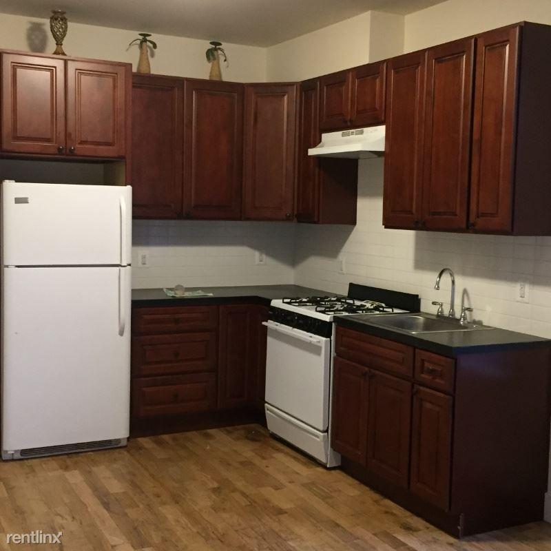 62 white St 2, Cohoes, NY - $1,050