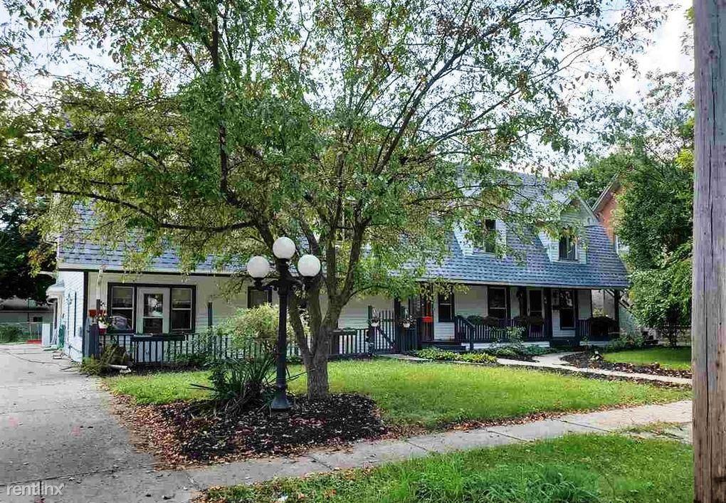 210 W Shawnee St, Tecumseh, MI - $800