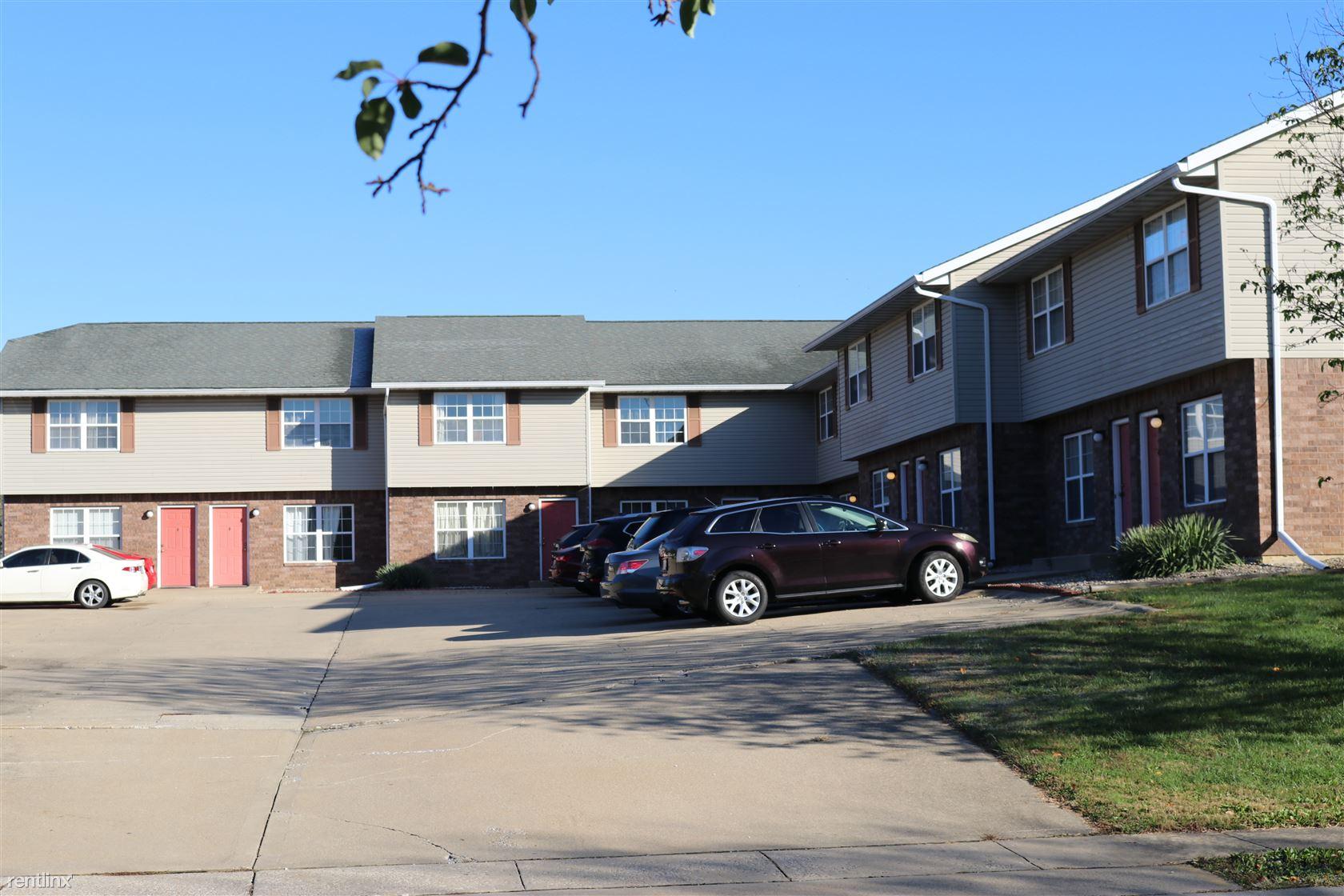 104 Club Centre Ct Apt 3, Edwardsville, IL - $775