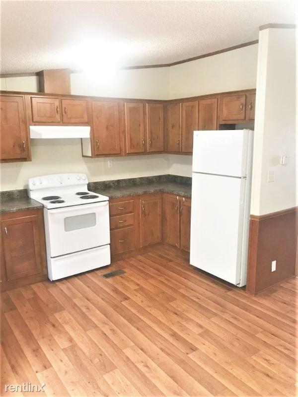 22095 Fm 306, Canyon Lake, TX - $1,200