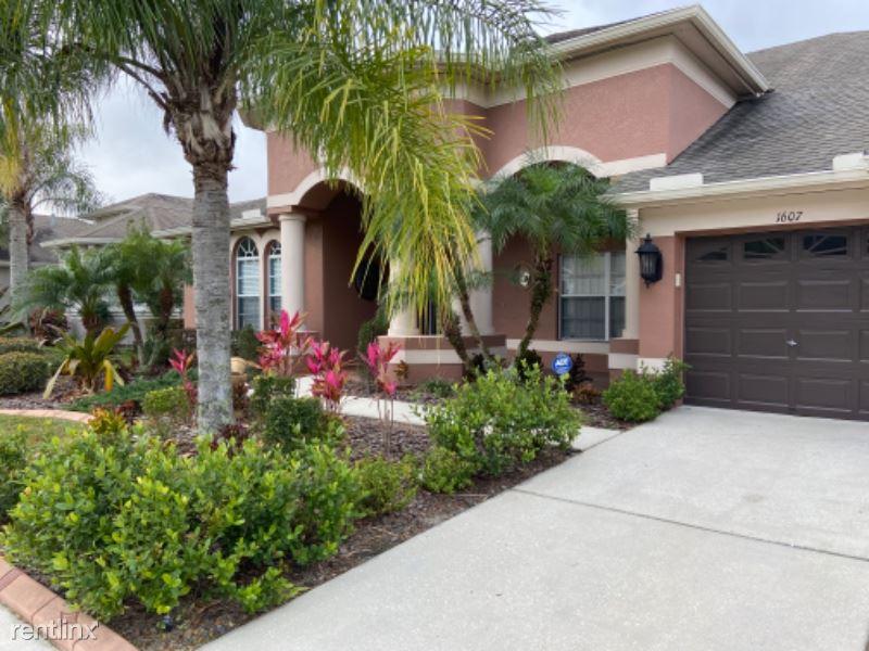 1607 Beaconsfield Dr, Wesley Chapel, FL - $2,895