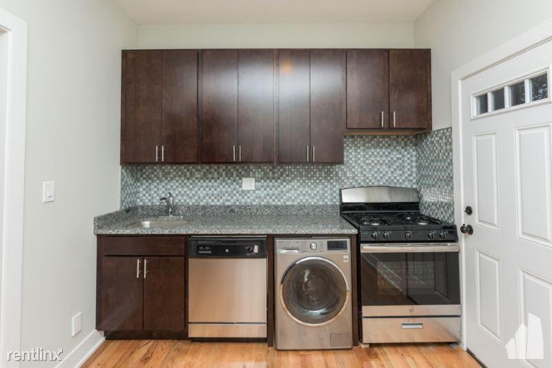 627 W Oakdale Ave 1C, Chicago, IL - $2,350