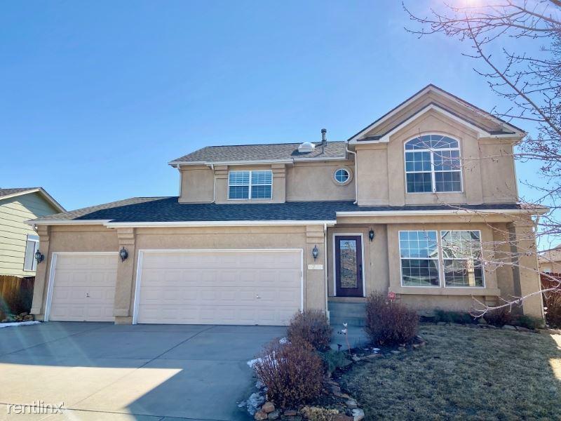 3251 Poughkeepsie Dr, Colorado Springs, CO - $2,495