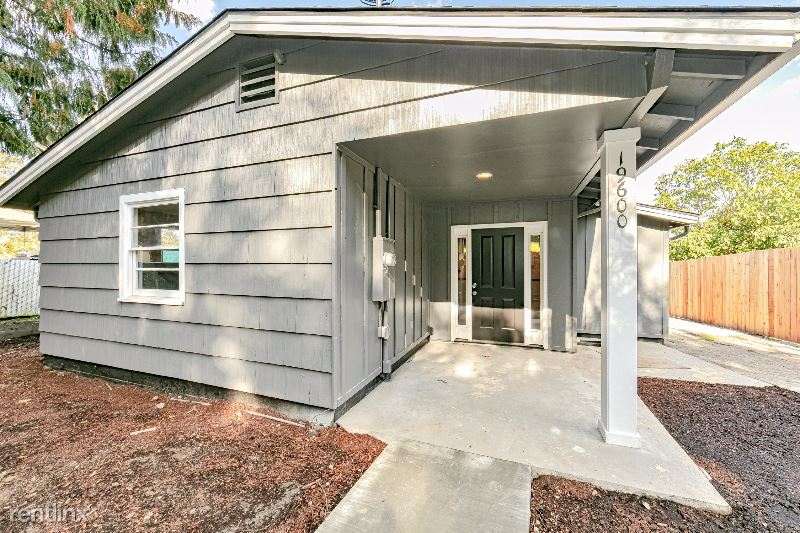 19600 View Drive, West Linn, OR - $2,850