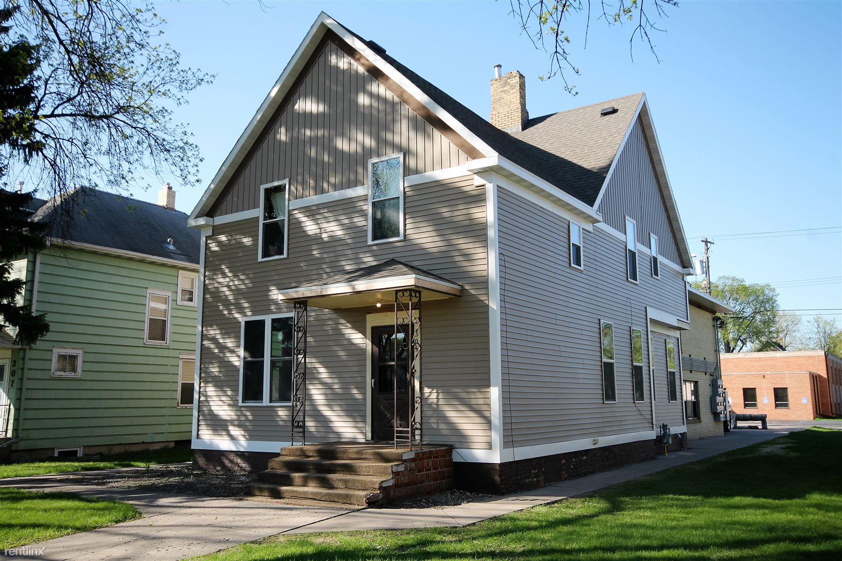 309 N 5th St, Grand Forks, ND - 595 USD/ month