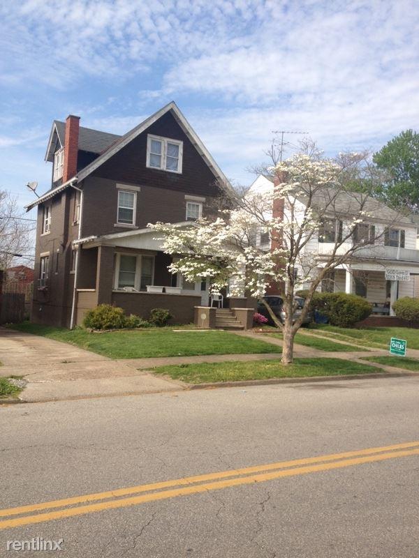 1422 Charleston Ave, Huntington, WV - $1,200