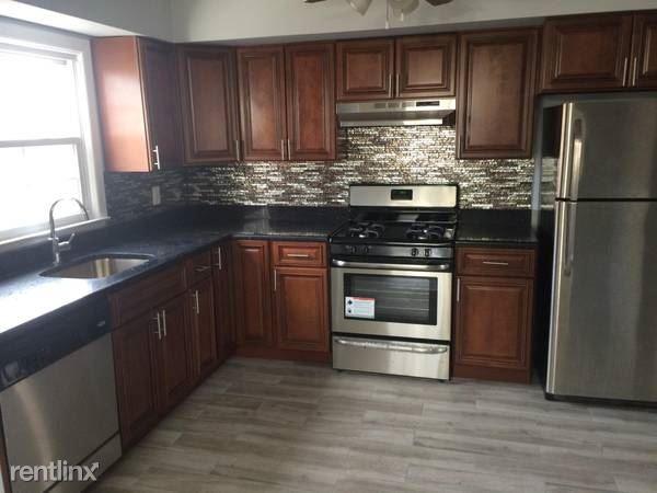Borcher Ave, Yonkers, NY - $2,800