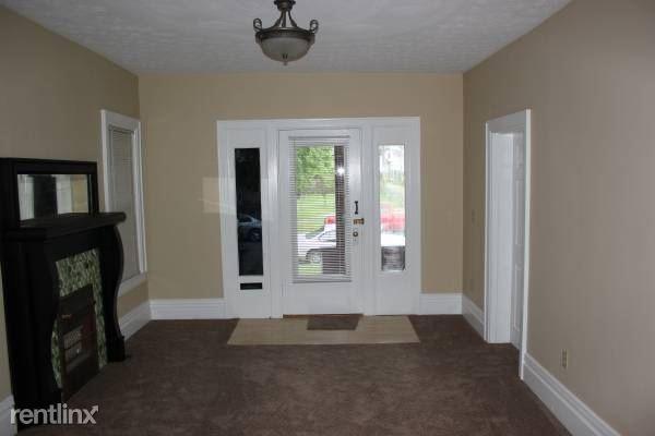 919 13th St Apt 1, Huntington, WV - $1,100