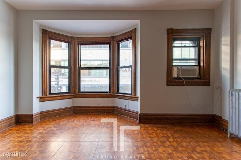 3021 N Broadway St, Chicago, IL - $2,350