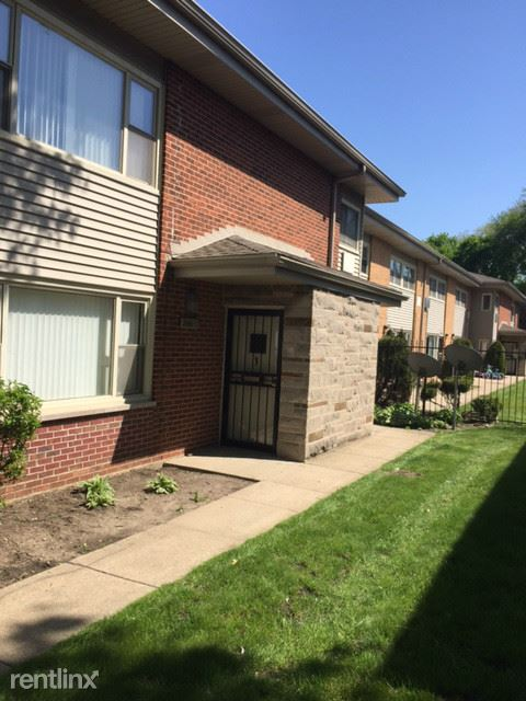480 Madison Ave # 1, Calumet City, IL - $750
