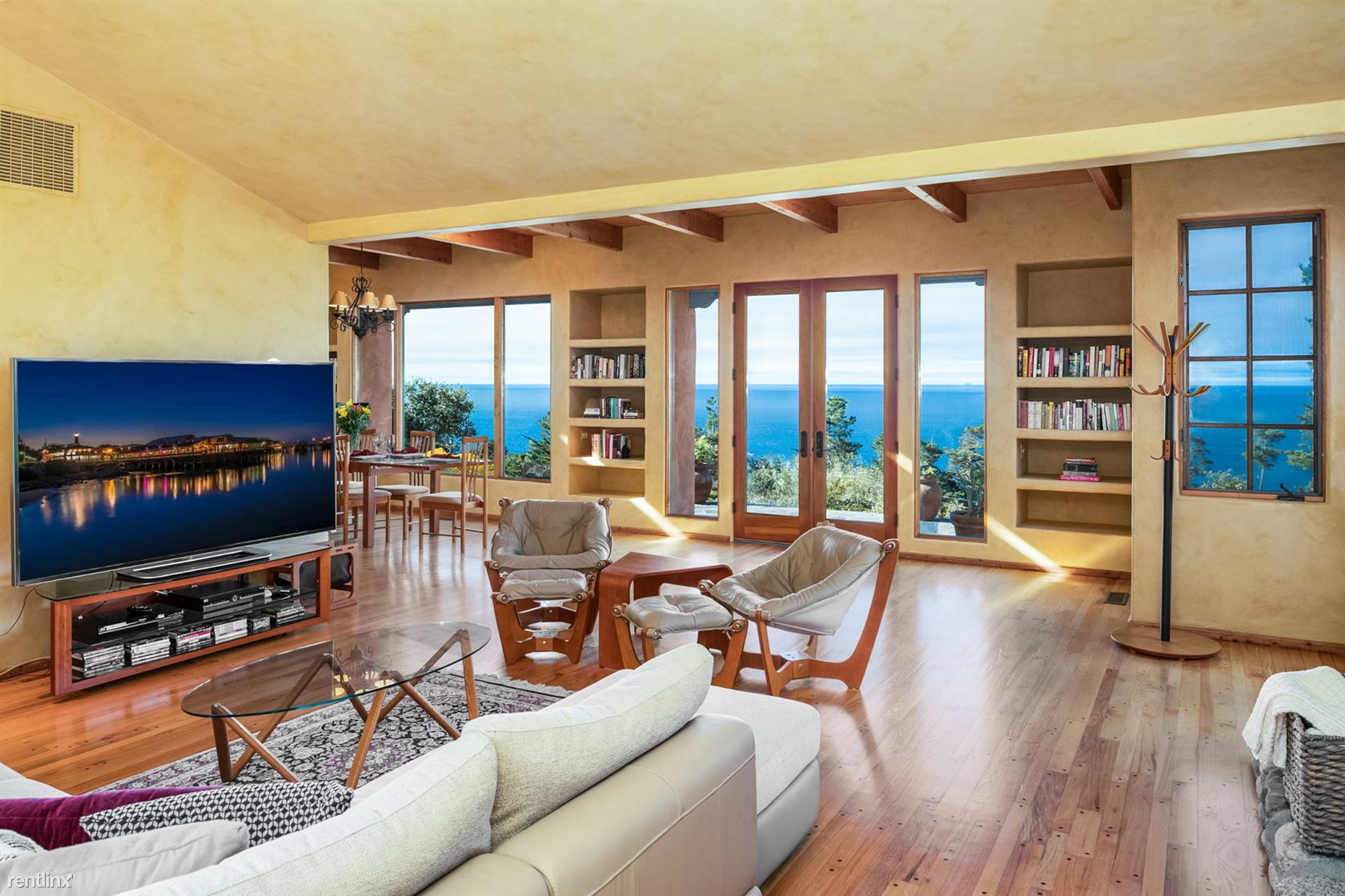 210 San Remo Rd, Carmel, CA - $6,405 USD/ month