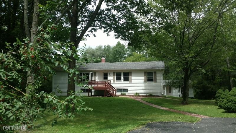 326 Snyder Hill Rd, Ithaca, NY - $675