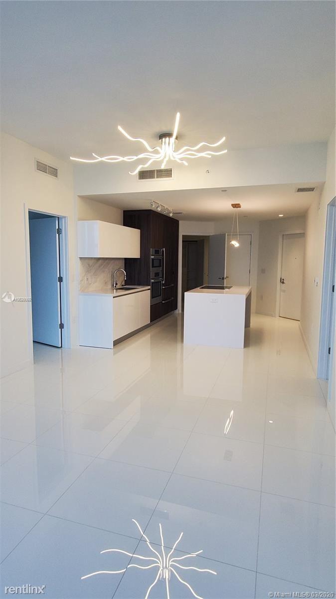 851 NE 1st Ave Unit 1707, Miami, FL - $4,600
